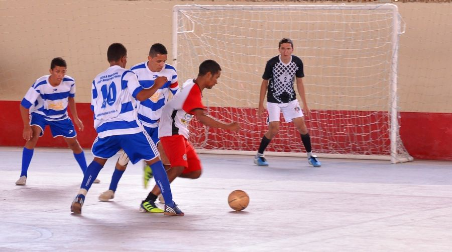 4653c336bf ... a equipe feminina de Futsal da Escola IVE é campeã no futsal ficando em  1º lugar nas disputas da final mato-grossense dos Jogos Escolares da  Juventude ...