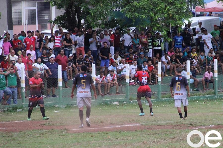 Olhar Esportivo - Liga da Justiça vence e abre boa vantagem no Peladão f239bc290f059