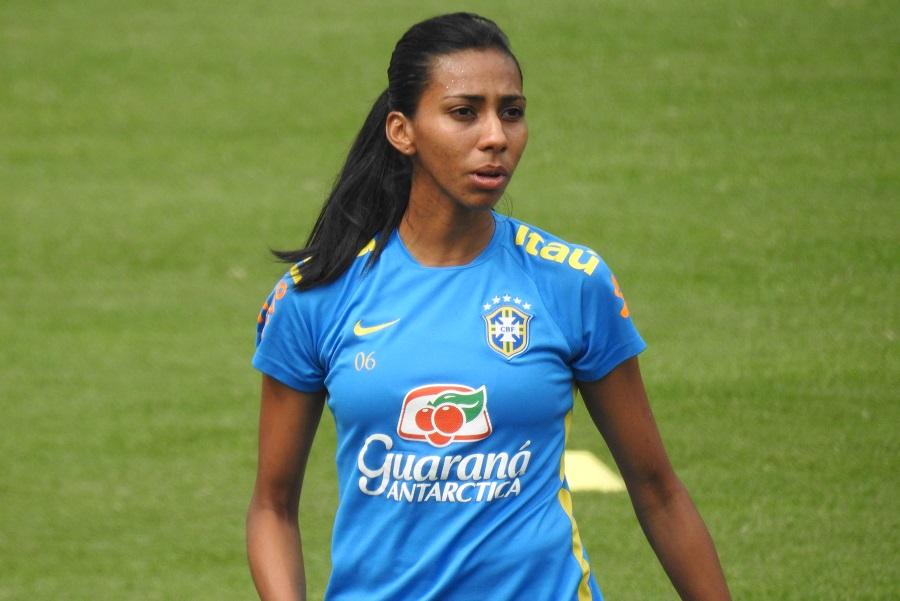 Olhar Esportivo - Ex-capitã da seleção brasileira feminina começou ... c3cb1d2e2ba2a