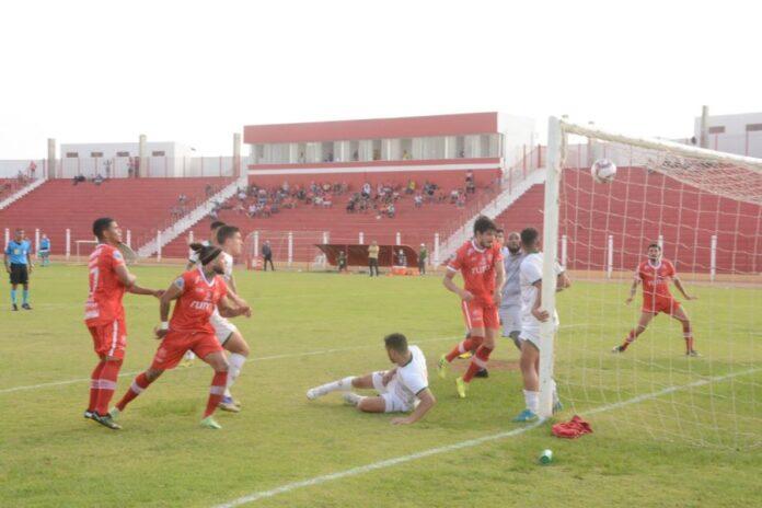 União vence o Boa Esporte pela série d